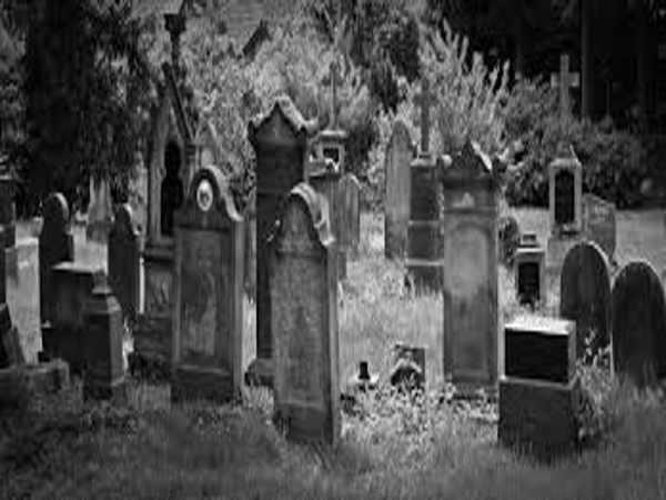 Giải mã giấc mơ thấy nghĩa địa, đánh con gì dễ trúng?