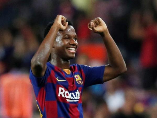 Thần đồng 16 tuổi của Barca lậpkỉ lục về độ tuổi ra sân của 1 cầu thủ trẻ