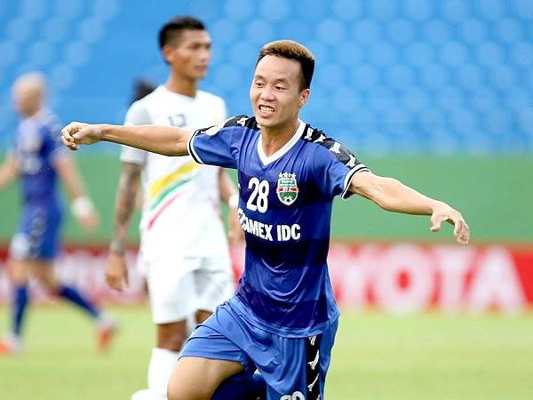 Bóng đá Việt Nam sáng 19/10: Tô Văn Vũ khát khao được thầy Park để ý lại