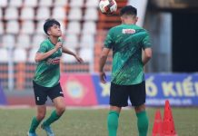 Bóng đá Việt Nam sáng 4/1: Phan Thanh Hậu gặp vận đen ở TP HCM